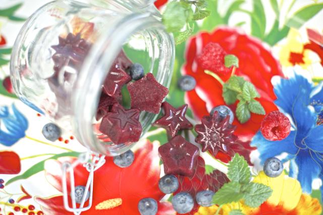 Gelegodteri med bær og kombucha