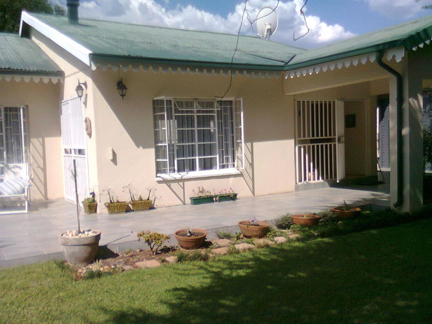 Real estate in Hartbeespoort Dam - 87145.jpg
