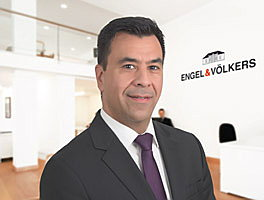Georg Petras is the owner of Engel & Völkers in Rhodes