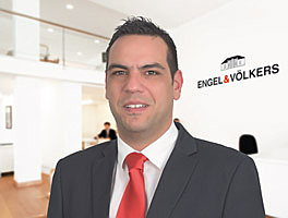 Agent Emmanouil Zervos is a real estate agent for Engel & Völkers in Rhodes - Greece