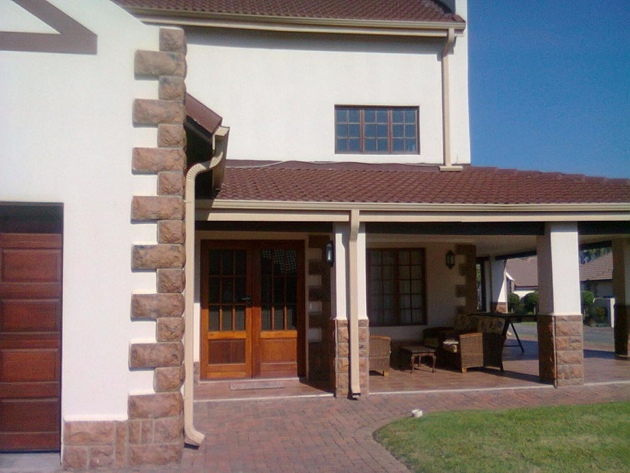 Real estate in Hartbeespoort Dam - 87623.jpg