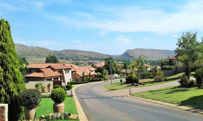 Real estate in Hartbeespoort Dam - ENV92474.jpg