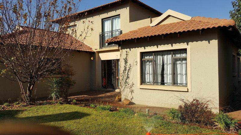 Real estate in Hartbeespoort Dam - 80225.jpg