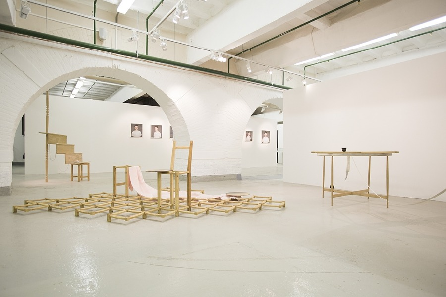 Часть экспозиции основной программы IV Московской международной биеннале молодого искусства. 2014 г. Фото: YoungArt