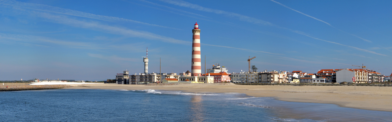 L'Immobilier à Aveiro - E&V_Praia da Barra by Andreas Trepte - Own work.jpg