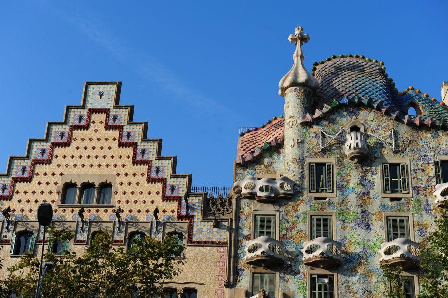 Casas y pisos en venta y alquiler en barcelona for Casa minimalista barcelona alquiler