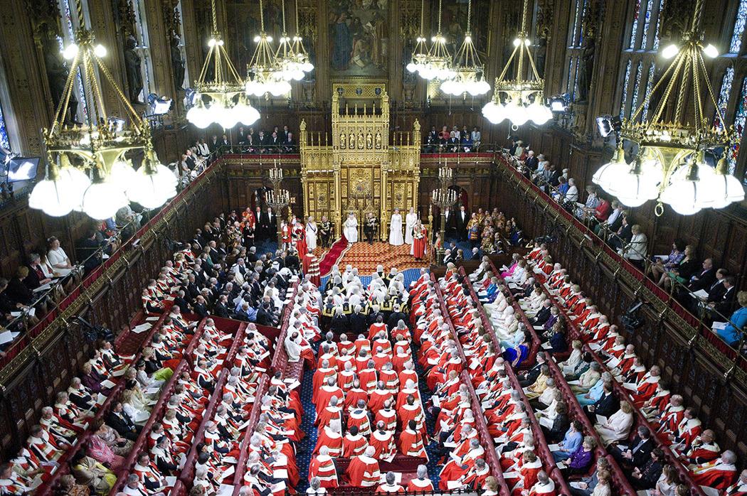 Королева Елизавета Вторая на открытии сессии парламента / Geoff Pugh / WPA Pool / Getty Images