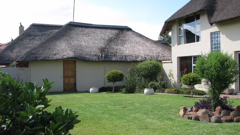 Real estate in Hartbeespoort Dam - 85869.jpg
